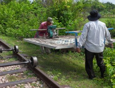 De Bamboo Train van Battambang