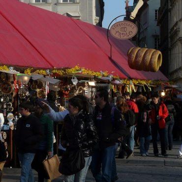 Het oude stadsplein van Praag (Staromĕstské námĕstí)
