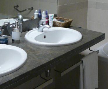 Handig op reis de hangende toilettas